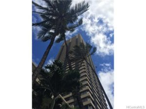 444 Niu St #804, Honolulu 96815 | $154,250 FS