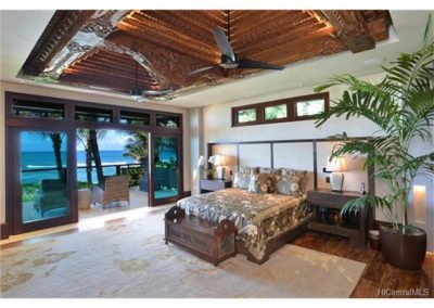 The Master Suite is architecturally conceived to allow stunning direct ocean views while retaining complete privacy. Seamlessly blending the Balinese Joglow ceiling piece with space, serenity and exquisite Balinese Teak and Merbau hardwoods throughout.