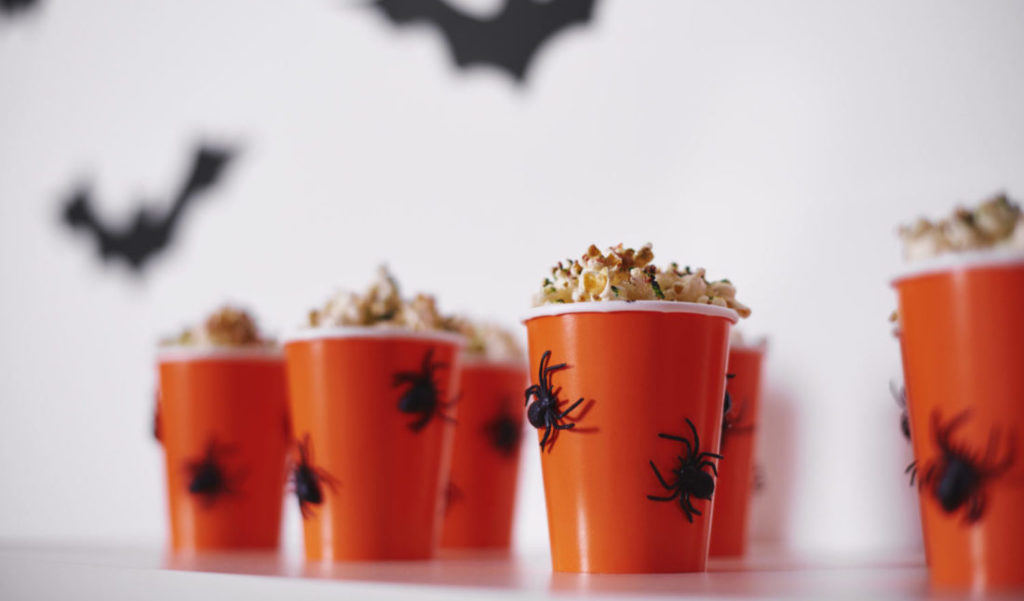 Ghoulish Tips to Throw a Spooktacular Bash